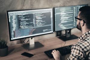 Cedarnet conçoit et développe les logiciels, applications, webservices nécessaires à votre projet